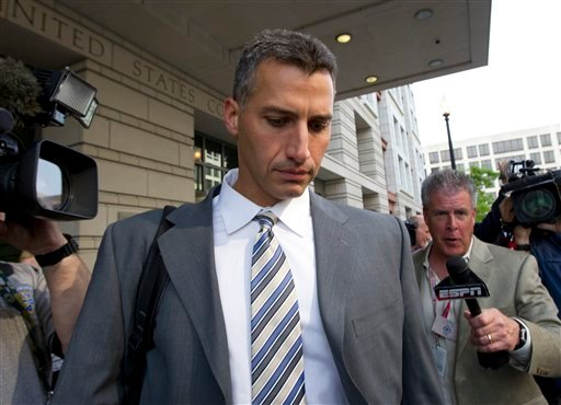 Andy Pettitte leaves the Federal Court in Washington May 1, 2012. (AP Photo/Manuel Balce Ceneta)