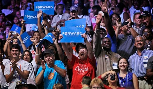 © Supporters react as President Barack Obama speaks at a campaign event at Kissimmee Civic Center, Saturday, Sept. 8, 2012, in Kissimmee, Fla. (AP Photo/Pablo Martinez Monsivais)