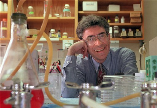 Dr. Robert Lefkowitz of Duke University photographed in his lab on campus in Durham, N.C. in 1996.(AP Photo/News &amp; Observer file photo)