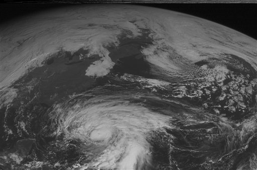 © This NOAA satellite image taken Thursday, October 25, 2012 at 10:45 AM EDT shows Hurricane Sandy over the Bahamas with maximum sustained winds of 105 mph and moving toward the north.