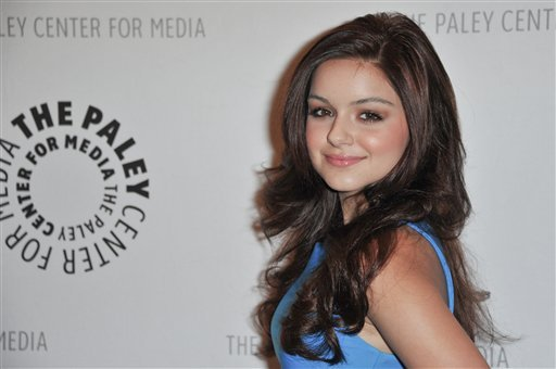 "© In this Sept. 24, 2012 file photo, Ariel Winter attends the World Premiere of ""Batman: The Dark Knight Returns Part 1"" at The Paley Center for Media, in Beverly Hills, Calif."