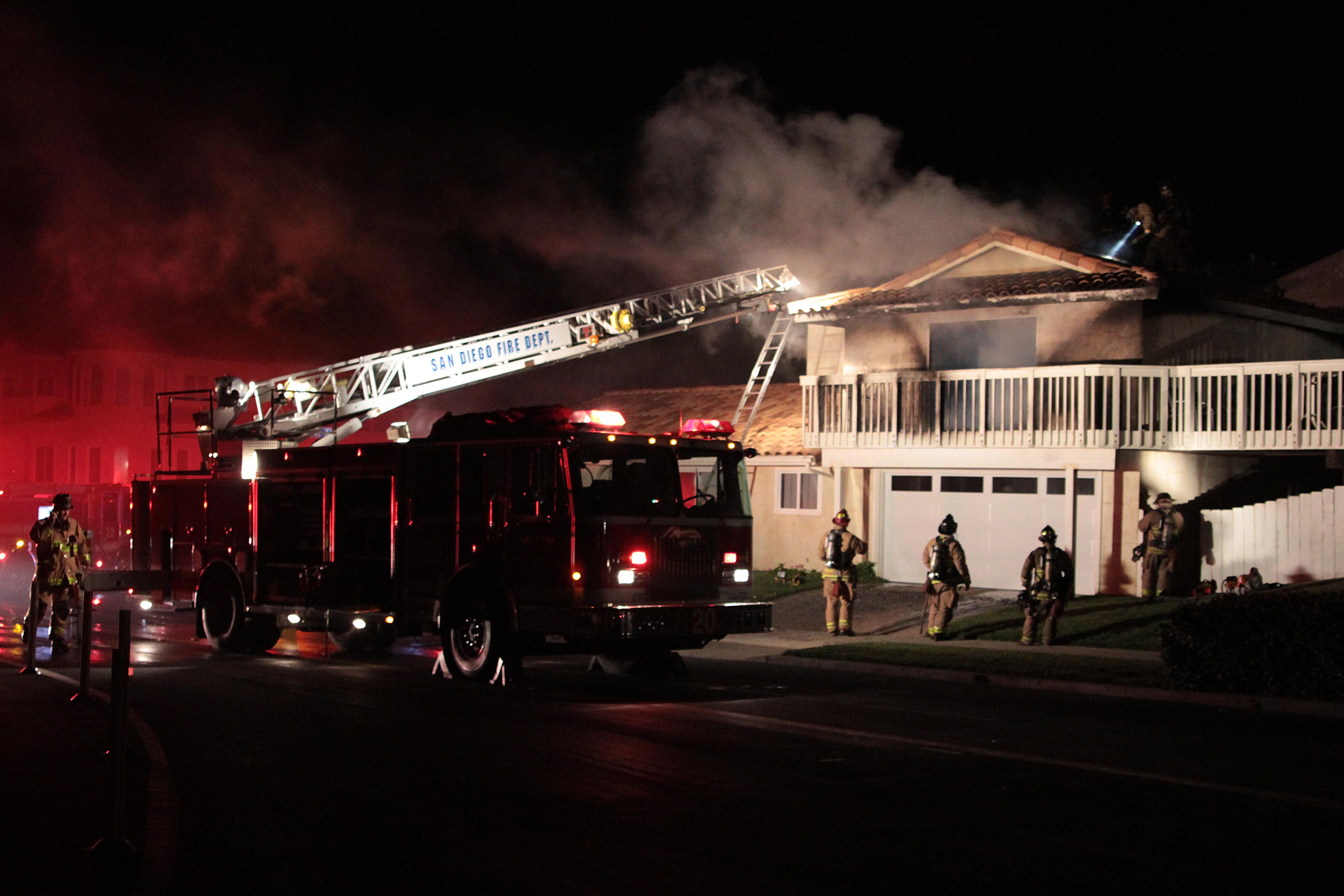© House fire in Sunset Cliffs Monday morning. Photos courtesy of Brook.