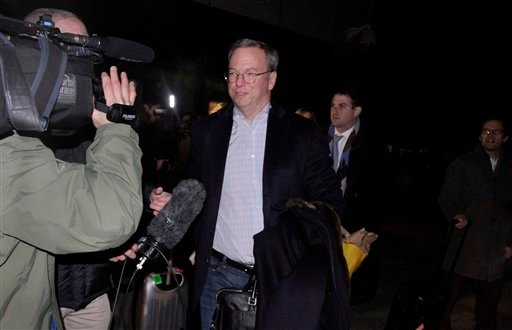 © Executive Chairman of Google Eric Schmidt is surrounded by journalists after arriving at Pyongyang International Airport in Pyongyang, North Korea on Monday, Jan. 7, 2013.