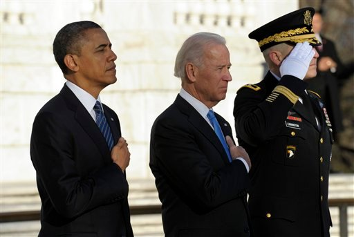 © President Barack Obama and Vice President Joe Biden, accompanied by Maj. Gen. Michael S. Linnington, Commander of the U.S. Army Military District of Washington.