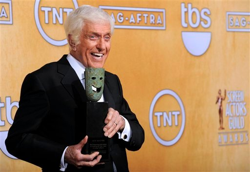 © Actor Dick Van Dyke poses backstage with his life achievement award at the 19th Annual Screen Actors Guild Awards at the Shrine Auditorium in Los Angeles on Sunday, Jan. 27, 2013. (Photo by Chris Pizzello/Invision/AP)