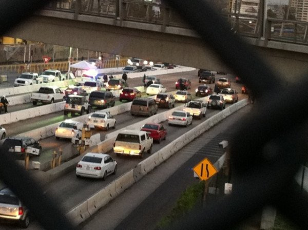  Manhunt for Dorner causes unusual, massive traffic jam at San Diego-Mexico border; photo credit News 8's Alicia Summers.
