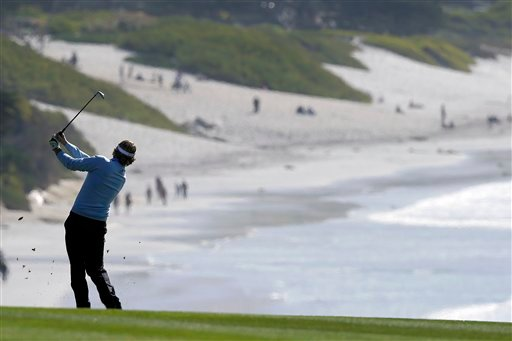 © Brandt Snedeker follows his shot on the ninth fairway of the Pebble Beach Golf Course during the final round of the AT&T Pebble Beach Pro-Am golf tournament, Sunday, Feb. 10, 2013, in Pebble Beach, Calif. (AP Photo/Ben Margot)