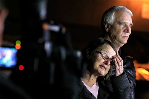  Jim Reynolds, 66, right, and wife, Karen Reynolds 57, recount their experience during a news conference Wednesday, Feb. 13, 2013, in Big Bear Lake, Calif.