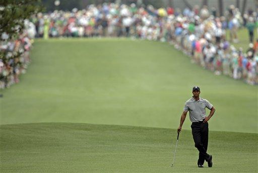 Tiger Woods al comienzo del Masters en Augusta, Georgia, el 11 de abril del 2013 (AP Foto/Matt Slocum)