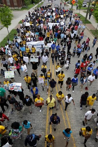 Thousands of young students march through downtown Birmingham, Ala., Thursday, May 2, 2013. (AP)