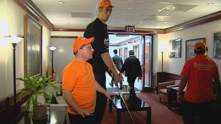 World's tallest man visits San Diego.