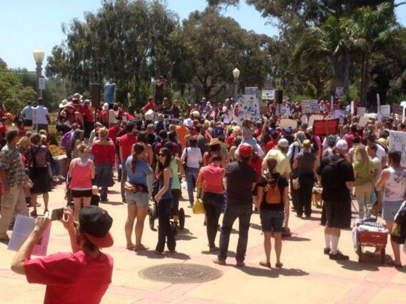Protesting genetically modified foods, hundreds rally at Balboa Park, San Diego. Photo: Steve Price (@PriceCBS8)