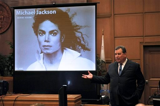 Brian Panish, attorney for the Michael Jackson family delivers his closing argument to jurors in a packed courtroom in downtown Los Angeles, Tuesday, Sept. 24, 2013. (AP)