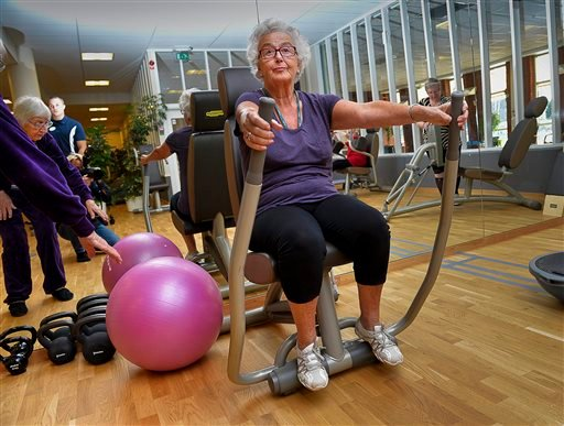 In this Sept. 26, 2013 photo, 80-year-old Marianne Blomberg works out at a gym in Stockholm. (AP)