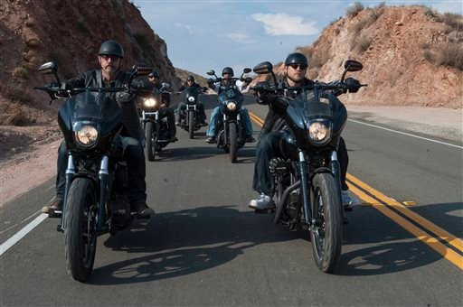 """This image released by FX shows Tommy Flanagan as Filip 'Chibs' Telford, left, and Charlie Hunnam as Jackson """"Jax"""" Teller, right, in a scene from """"Sons of Anarchy."""" (AP)"""