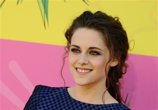In this March 23, 2013 file photo, actress Kristen Stewart arrives at the 26th annual Nickelodeon's Kids' Choice Awards, in Los Angeles.