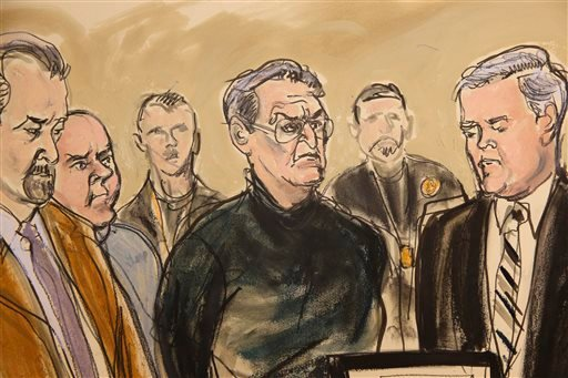 In this artist's rendering, Vincent Asaro, center,stands alongside his lawyer Gerald McMahon, right, at Brooklyn Federal Court, Thursday, Jan. 23, 2014, in New York. (AP)