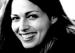 """This undated photo provided by the Goldberg family shows movie and television actress Sarah Goldberg Goldberg who starred in """"7th Heaven"""" and """"Jurassic Park III,"""" died Sept. 27, at age 40 in her sleep from natural causes."""