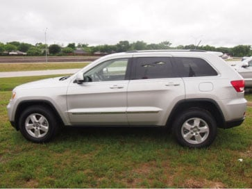 General Internet Picture of a newer Jeep Cherokee (not actual suspect vehicle)