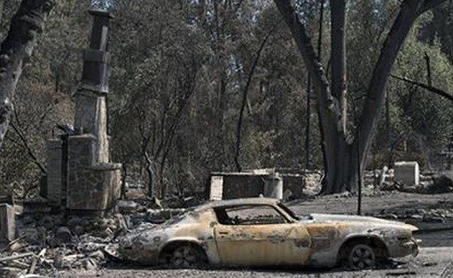 he Valley fire that sped through Middletown and other parts of rural Lake County, less than 100 miles north of San Francisco, has continued to burn since Saturday despite a massive firefighting effort. (Paul Kitagaki Jr./The Sacramento Bee via AP)