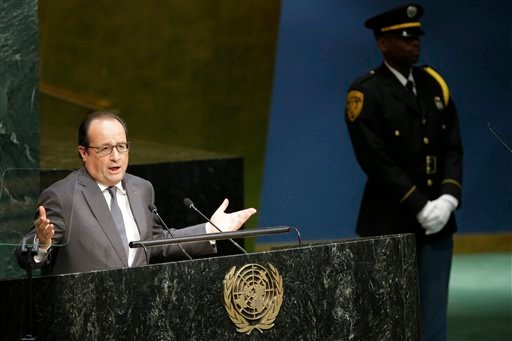 French President Franc¸ois Hollande addresses the 70th session of the United Nations General Assembly at U.N. headquarters, Monday, Sept. 28, 2015. (AP Photo/Mary Altaffer)