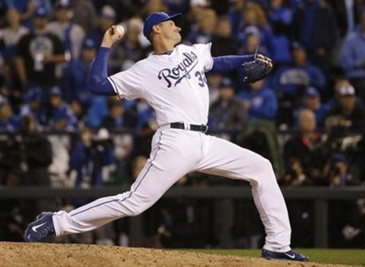 Kansas City Royals pitcher Chris Young throws during the 12th inning of Game 1 of the Major League Baseball World Series against the New York Mets Tuesday, Oct. 27, 2015, in Kansas City, Mo. (AP Photo/Matt Slocum)