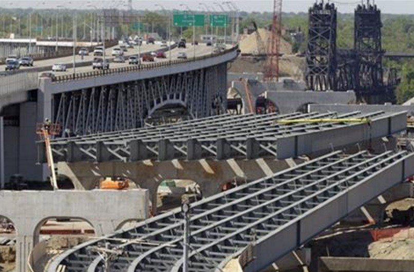 The House on Thursday voted overwhelmingly in favor of final passage of a 5-year, $305 billion bill that boosts highway and transit spending and provides states with assurance that federal help will be available for major projects. AP