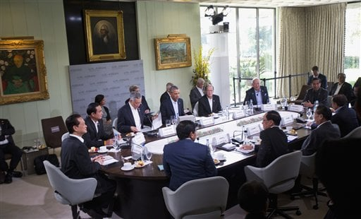 President Barack Obama participates in the second plenary session meeting of ASEAN, the 10-nation Association of Southeast Asian Nations, Tuesday, Feb. 16, 2016, at the Annenberg Retreat at Sunnylands in Rancho Mirage, Calif. The president hosted the ASEA