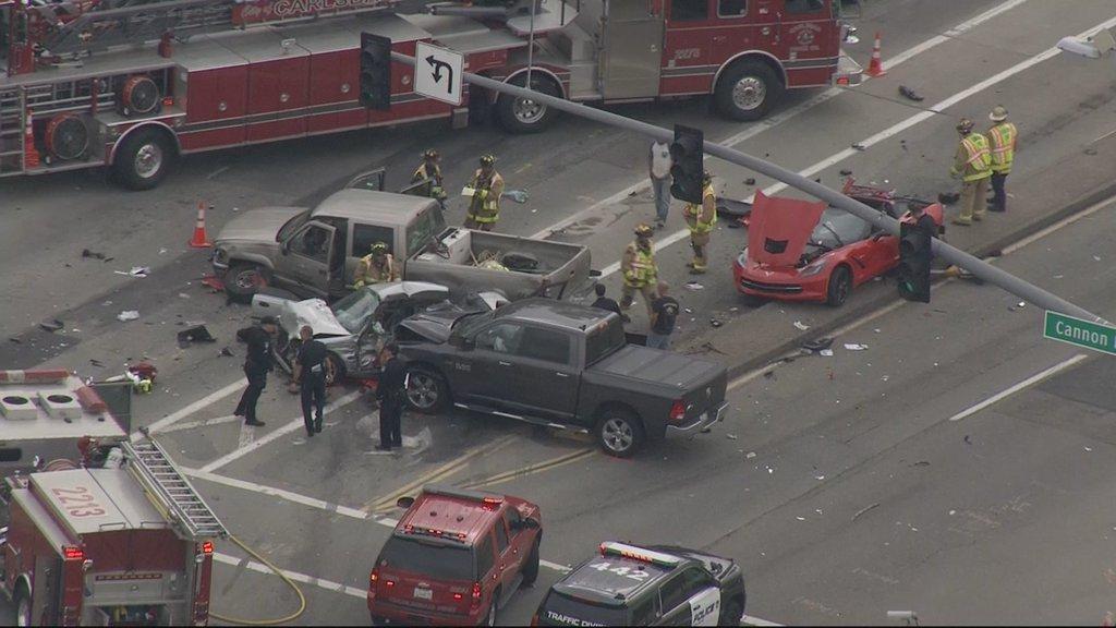 Several Injured In Multi Vehicle Crash In Carlsbad Cbs News 8