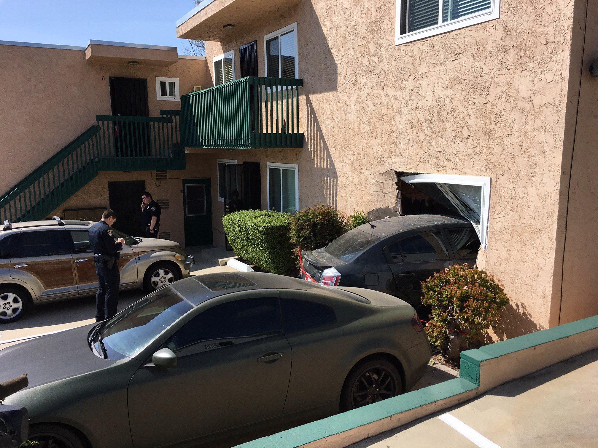 Car Crashes Into North Park Apartment Building Cbs News San