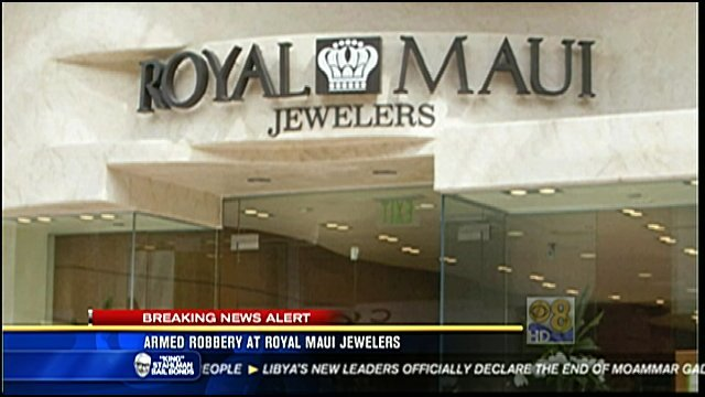 Armed Robbery At The Royal Maui Jewelers Store At Fashio