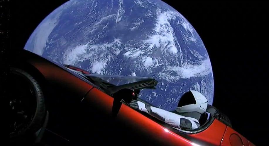 Spacex S Big New Rocket Blasts Off Puts Sports Car In Space Cbs News 8 San Diego Ca News
