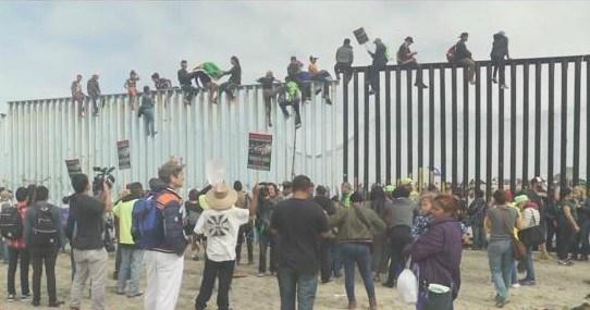 11 Migrants Charged With Federal Crimes At U S Tijuana Border Cbs News 8 San Diego Ca