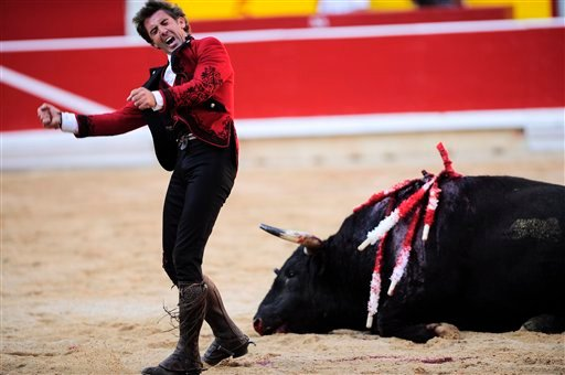 Bullfights back on Spanish public TV after ban - CBS News 8 - San ... 528253643e3