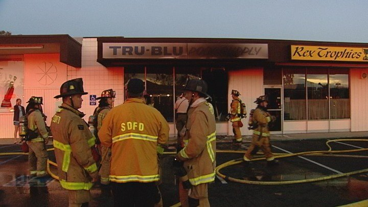 Crews Knock Out Fire At Pool Supply Store Cbs News 8 San Diego Ca News Station Kfmb Channel 8