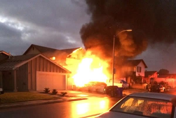 Mira Mesa House Fire Displaces 10 People Cbs News 8