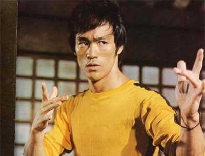 Bruce Lee jumpsuit fetches $100,000 at HK auction - CBS News 8 ...