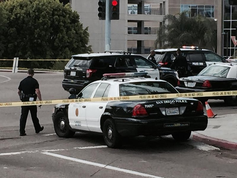 Sdpd officer recovering from gunshot suspect dead cbs for Worldwide motors san diego ca