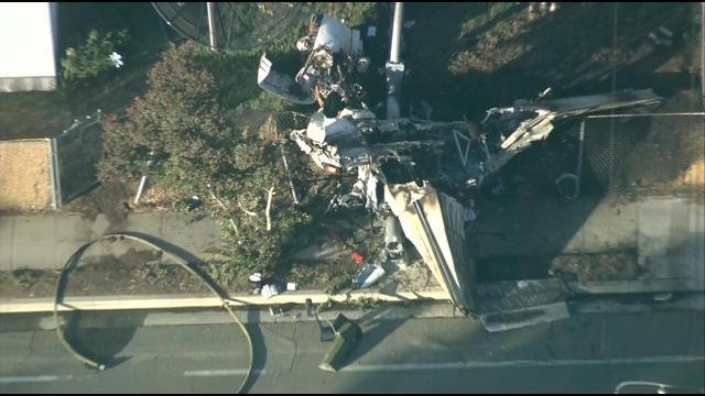 small plane crashes in california yard  killing pilot