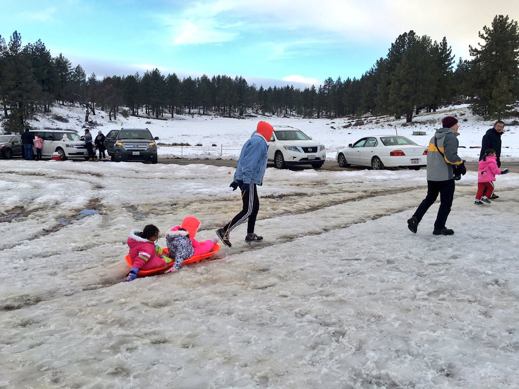 roads to mount laguna shut down as crowds flock to see