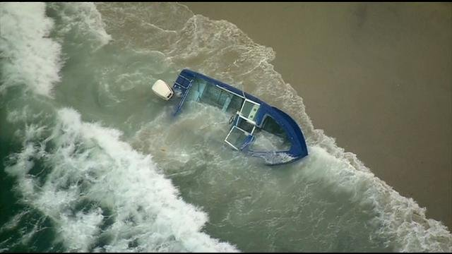 Several people reportedly flee panga boat found in La Jolla