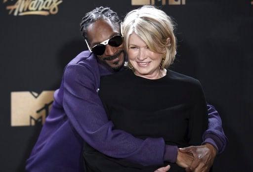 Martha Stewart partners with Canadian cannabis firm - CBS